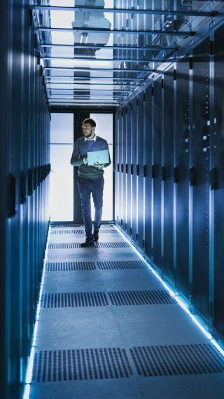 https://www.miralix.dk/wp-content/uploads/Cloud-hosting-af-Miralix-kontaktcenter-og-omstillingsbord-320x569.jpg